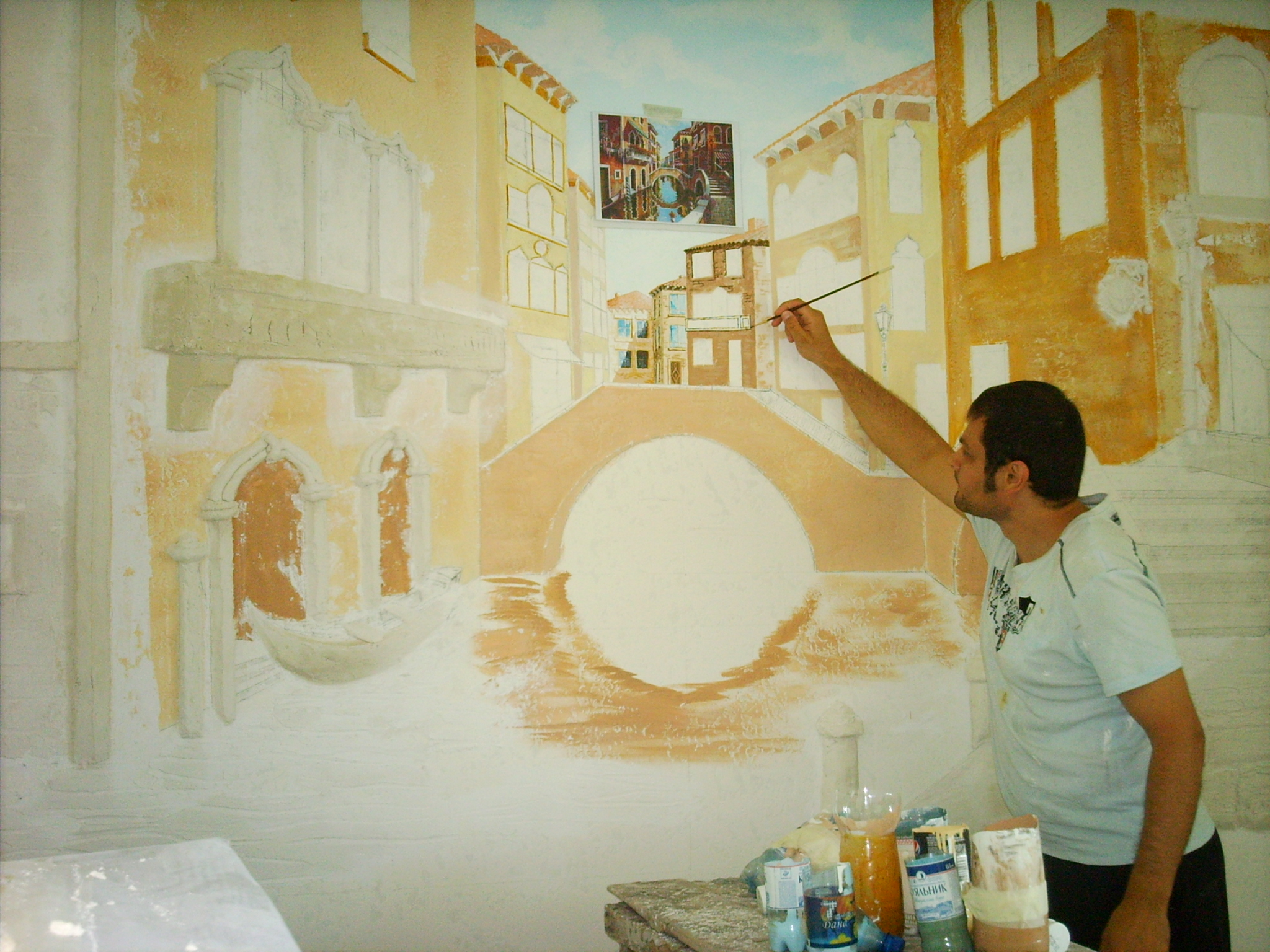 Роспись по стене акриловой краской