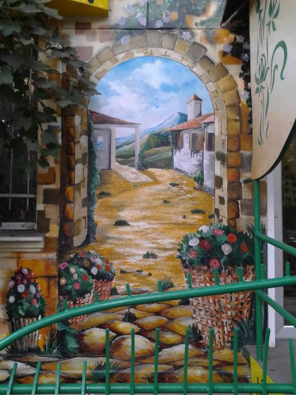 фасадный рисунок на здании