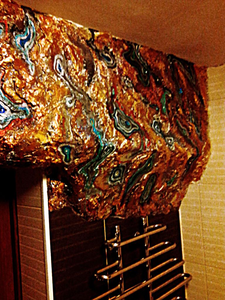 Декоративная роспись с гипсовым барельефом